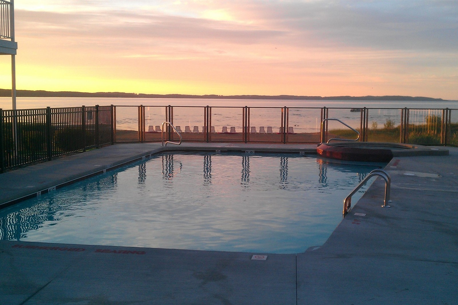 Cherry Tree Inn in Traverse City Outdoor Pool