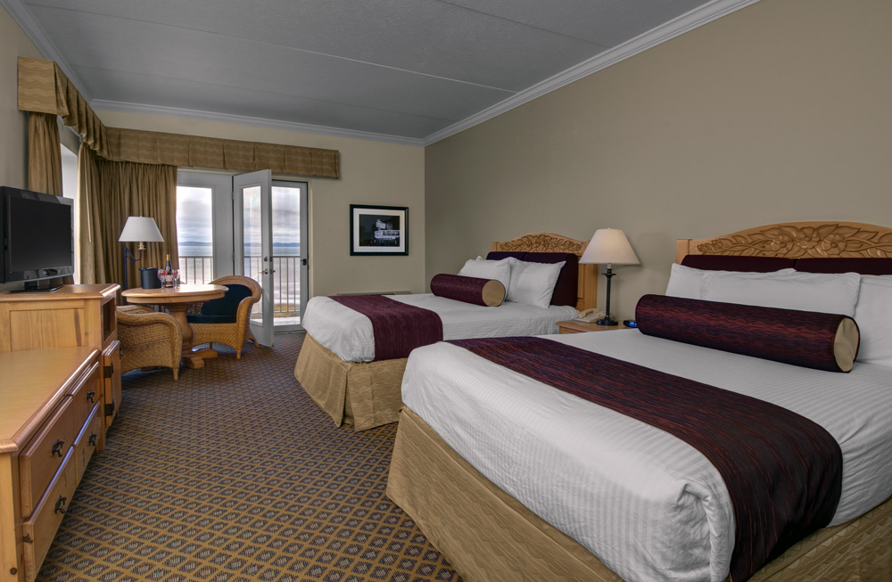 Hotel Room With 2 Queen Beds In Traverse City Michigan